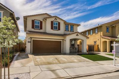 Gilroy Single Family Home For Sale: 360 Windsong Way