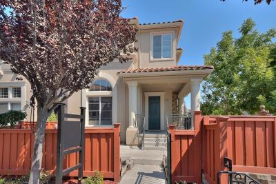 San Jose Condo/Townhouse For Sale: 329 Vista Roma Way