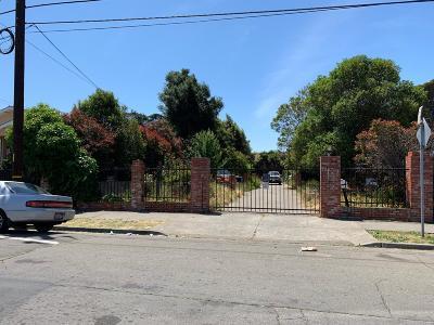 Oakland Single Family Home For Sale: 5949 Hilton Street