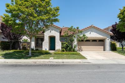 Newark Single Family Home For Sale: 8058 Mandarin Avenue