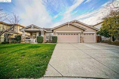 Single Family Home For Sale: 2468 Crocker Way