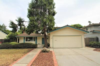 Single Family Home For Sale: 838 Clarkston Drive