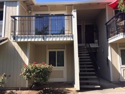 San Leandro Condo/Townhouse For Sale: 14521 Doolittle Drive