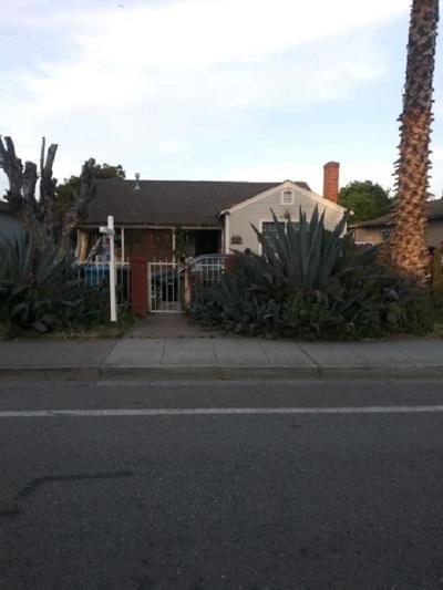 East Palo Alto Single Family Home For Sale: 2276 University Avenue