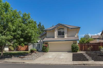Livermore Single Family Home For Sale: 63 Summertree Court