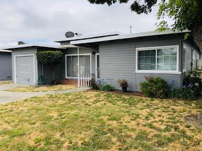 San Mateo Single Family Home For Sale: 524 Fallon Avenue