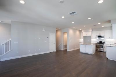 Milpitas Condo/Townhouse For Sale: 1669 Centre Pointe Drive