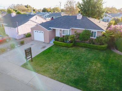 San Lorenzo Single Family Home For Sale: 17205 Via Flores