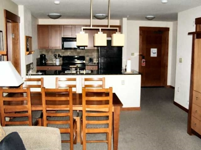 Mammoth Lakes Condo/Townhouse Active Under Contract: 100 Canyon Blvd #3126
