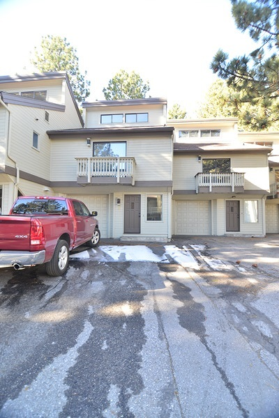 Mammoth Lakes Condo/Townhouse For Sale: 141 Arrowhead #7