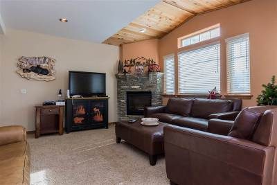 Mammoth Lakes Condo/Townhouse For Sale: 45 Mountain Boulevard