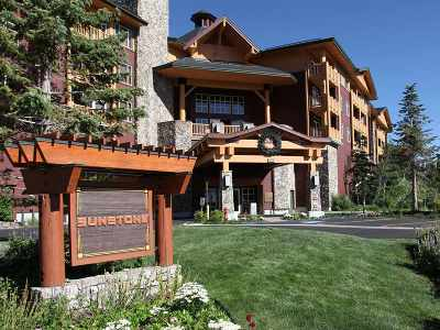 Mammoth Lakes Condo/Townhouse Active-Extended: 201 Juniper Springs Drive 322