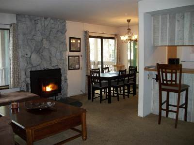 Mammoth Lakes Condo/Townhouse For Sale: 2251 Meridian Blvd. #149