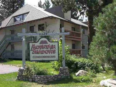 Mammoth Lakes Condo/Townhouse Active-Extended: 2289 Sierra Nevada Road # I-4