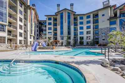 Mammoth Lakes Condo/Townhouse For Sale: 50 Hillside Drive