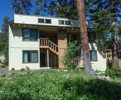 Mammoth Lakes Condo/Townhouse For Sale: 25 Lee Rd. Unit 46 (Door 147)