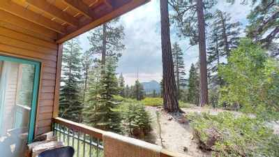 Mammoth Lakes Condo/Townhouse For Sale: 435 Lakeview Boulevard