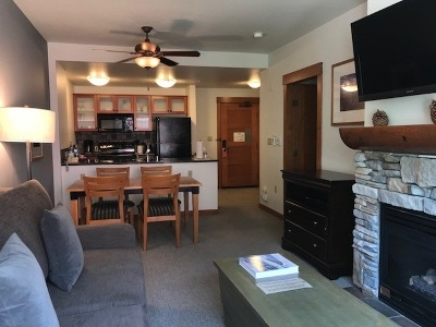 Mammoth Lakes Condo/Townhouse Active-Extended: 6201 Minaret Road #2306