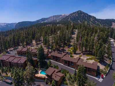 Mammoth Lakes Condo/Townhouse For Sale: 670 John Muir Road