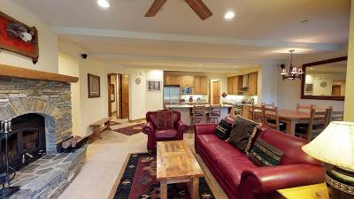 Mammoth Lakes Condo/Townhouse For Sale: 1125 Pyramid Peak Drive