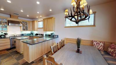 Mammoth Lakes Single Family Home For Sale: 36 Top Of The Slopes Court
