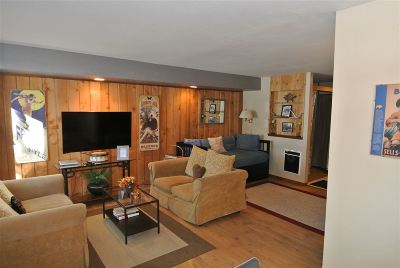 Mammoth Lakes Condo/Townhouse Active Under Contract: 152 Viewpoint Road
