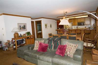 Mammoth Lakes CA Condo/Townhouse For Sale: $447,500