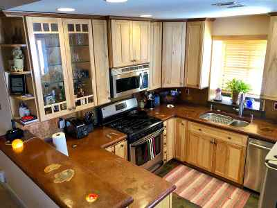 Mammoth Lakes CA Condo/Townhouse For Sale: $429,000