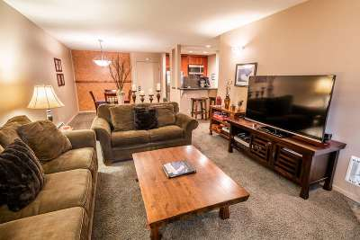 Mammoth Lakes Condo/Townhouse For Sale: 3253 Meridian #208 Boulevard