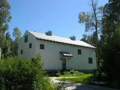 Mammoth Lakes Single Family Home For Sale: 36 Creek Lane