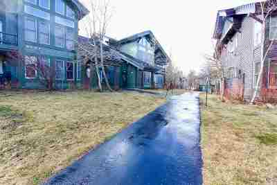 Mammoth Lakes Condo/Townhouse For Sale: 857 Links Way