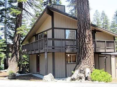 Mammoth Lakes Single Family Home Active Under Contract: 1995 Forest Trail