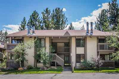 Mammoth Lakes Condo/Townhouse For Sale: 2113 Meridian