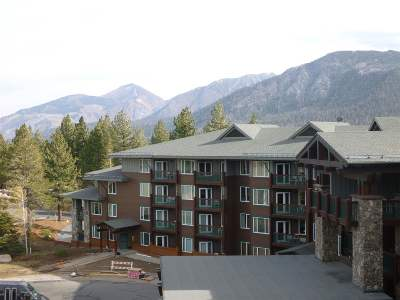 Mammoth Lakes Condo/Townhouse For Sale: 4000 Meridian Blvd Boulevard