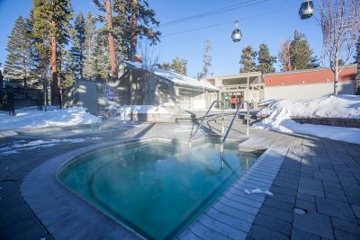 Mammoth Lakes Condo/Townhouse Active Under Contract: 826 Lakeview