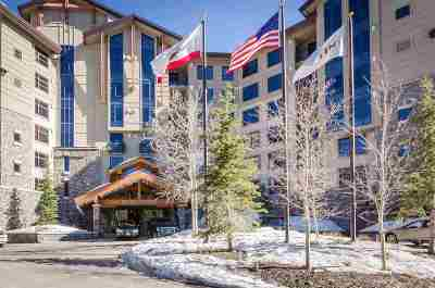 Mammoth Lakes Condo/Townhouse For Sale: 50 Hillside
