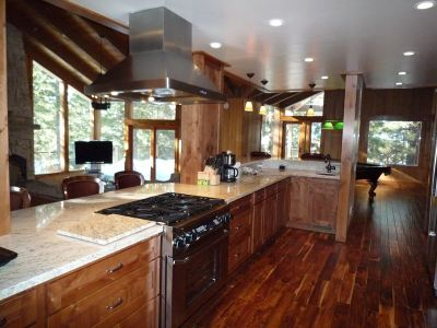 Mammoth Lakes Single Family Home Active Under Contract: 66 Holiday Vista