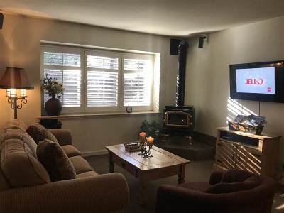Mammoth Lakes Condo/Townhouse Active Under Contract: 221 Canyon Boulevard
