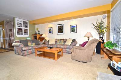 Mammoth Lakes Condo/Townhouse For Sale: 244 Lakeview Blvd #129
