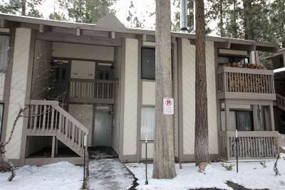 Mammoth Lakes Condo/Townhouse For Sale: 2113 Meridian Boulevard
