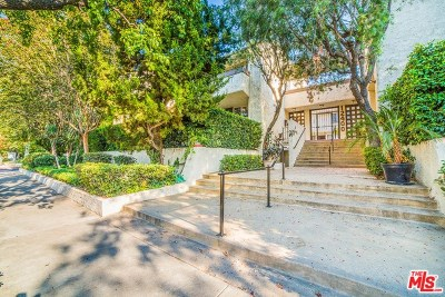 Studio City Condo/Townhouse Active Under Contract: 12400 Moorpark Street #7