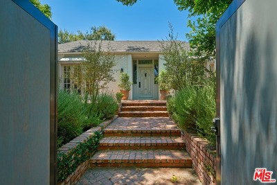 Toluca Lake Single Family Home For Sale: 4443 Strohm Avenue