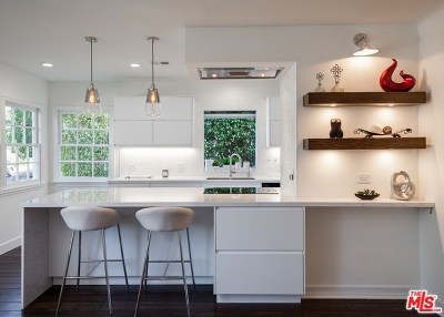 Studio City Single Family Home Active Under Contract: 3963 Van Noord Avenue