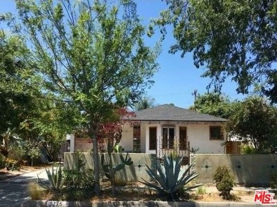Los Angeles Single Family Home For Sale: 3775 Maplewood Avenue