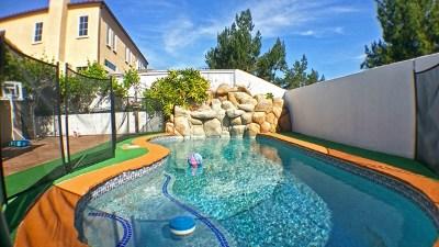 Chula Vista Single Family Home For Sale: 2837 Castlewood