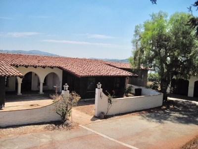 Fallbrook Single Family Home For Sale: 2559 Vista De Palomar