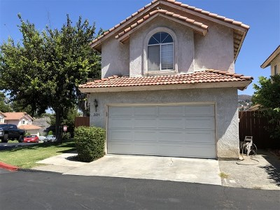 Lemon Grove Single Family Home For Sale: 2121 Rebecca Way