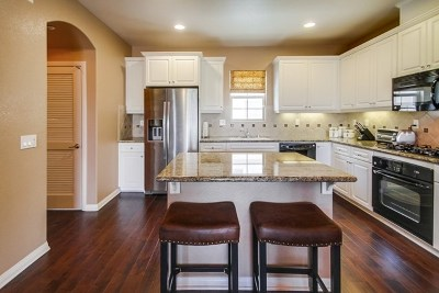 San Marcos Condo/Townhouse For Sale: 2466 Longstaff Ct