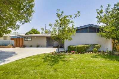 Granada Hills Single Family Home For Sale: 10814 Debra Ave
