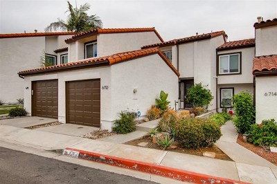 Carlsbad Condo/Townhouse For Sale: 6712 Clover Ct